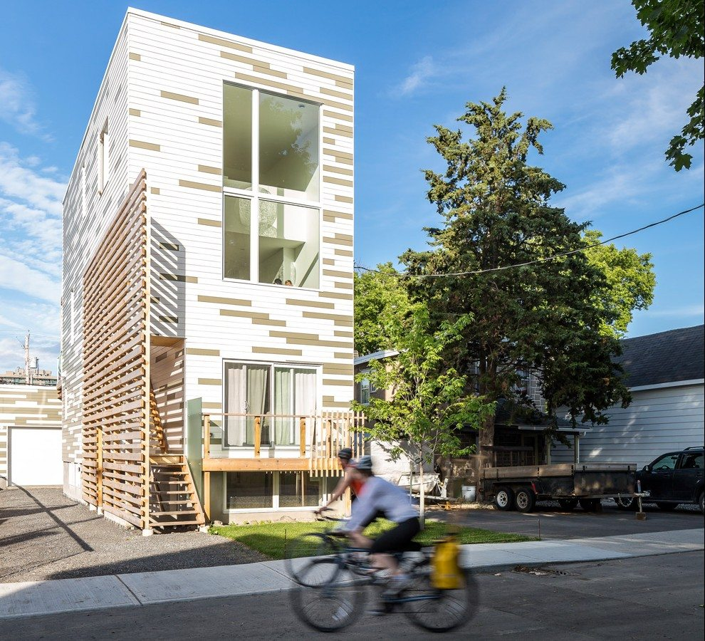 "The clever pattern of the cladding was sketched by the architect, then the panels were painstakingly cut and placed. Mellissa likened the process to a ""paint by number"". Photo: Doublespace Photography"
