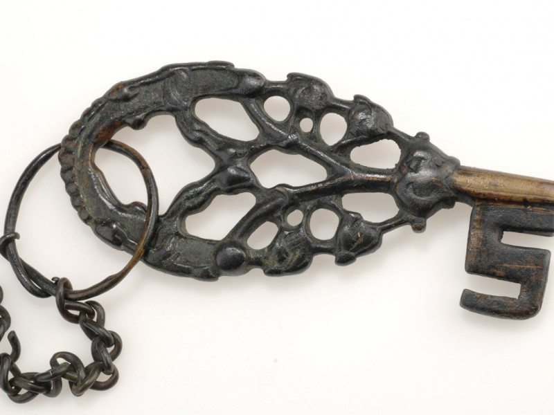 Key with Chain: The key was a symbol of power for a Viking woman, and it was worn fully visible outside her clothing. Old Norse written sources suggest women ruled the households and farms, while men plowed the fields and represented their families at regional meetings. Archaeological findings show that women also took part in trade and sometimes carried weapons, too. © The Swedish History Museum
