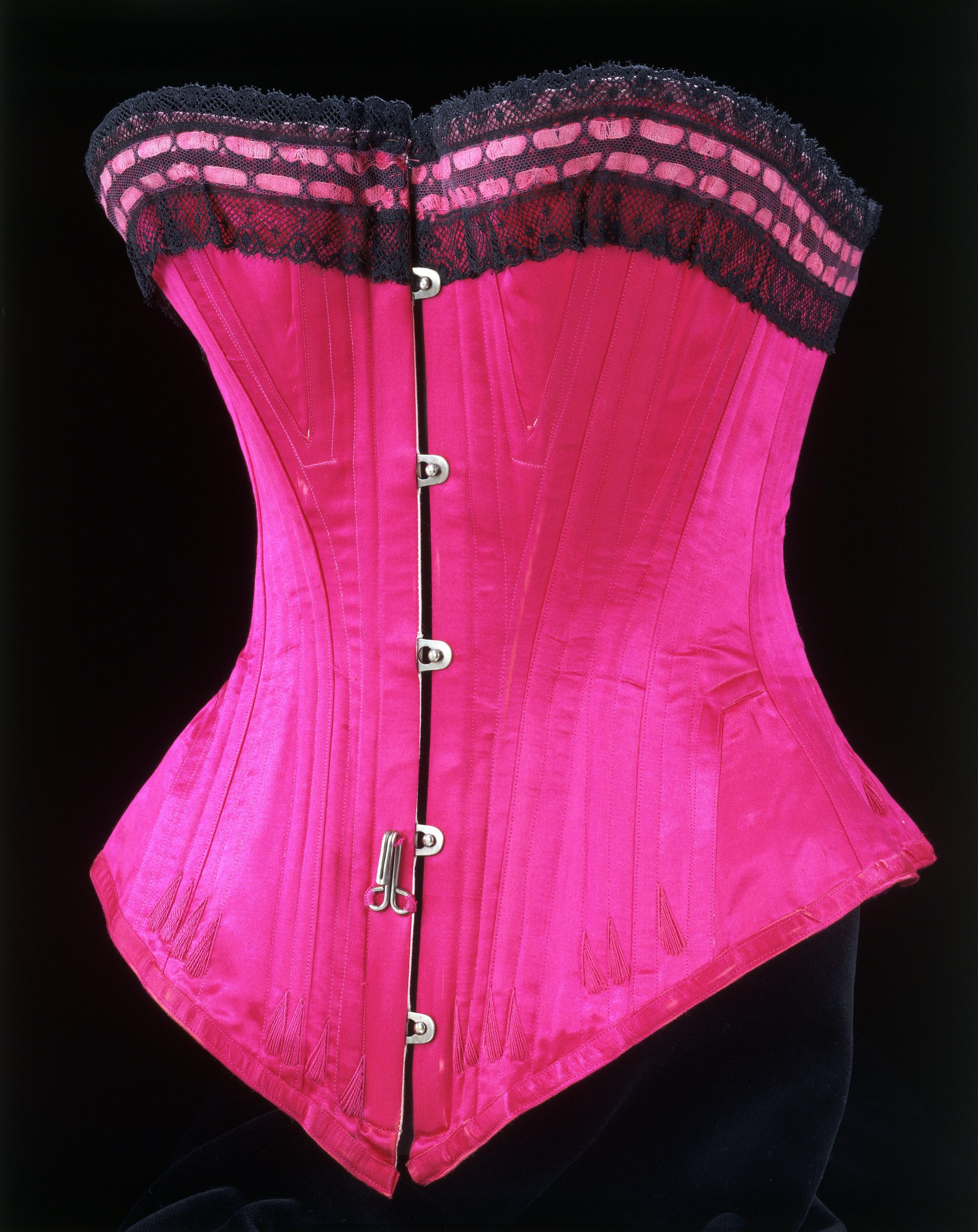 Corset_1890-1895_c_Victoria_and_Albert_Museum_London