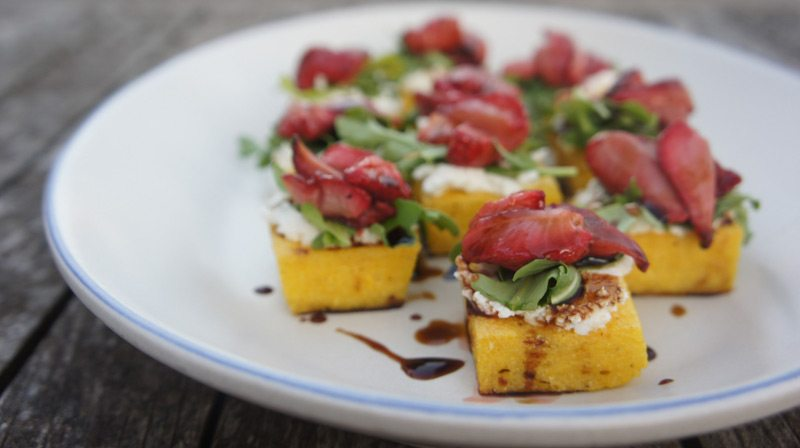 roasted-strawberries-&-polenta-toasts Photography: Katie Shapiro