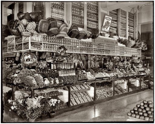 Example of an old-timey grocery store. With less packaging and more bulk goods, it's a concept that may be coming back