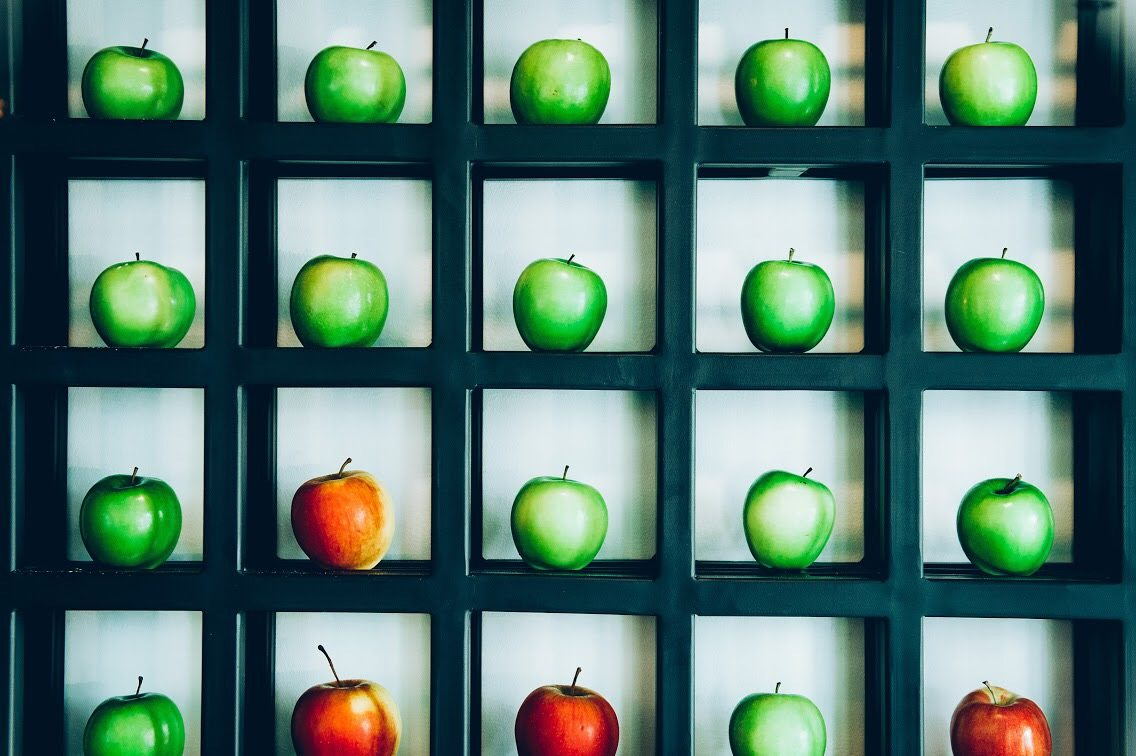 """The """"apple wall"""" in the entranceway is a feast for the eyes (and smells nice, too). Photo: Transparent Kitchen"""